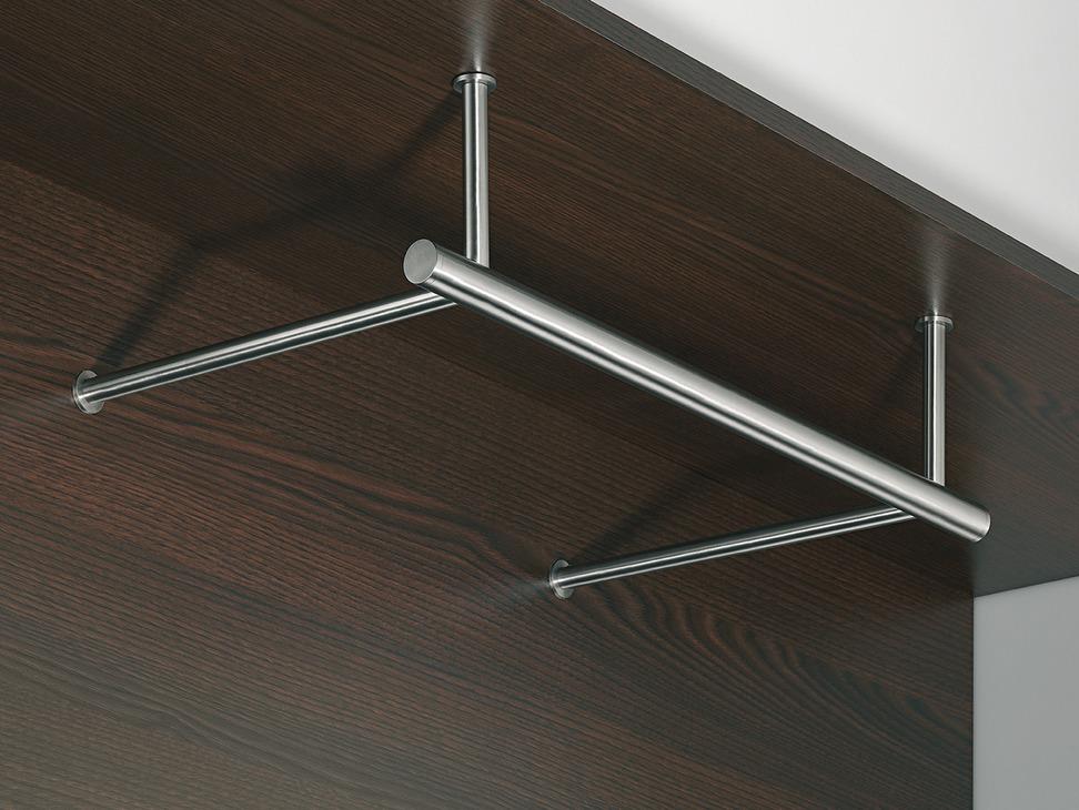 garderobe aus edelstahl konfektioniert nach mass im. Black Bedroom Furniture Sets. Home Design Ideas